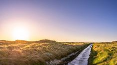 #tinahetlandphoto #longexposure #Nature #AllNatureShots #NatureLover #NatureShot #animazing_nature #world_bestnature #whywelovenature #jaw_dropping_shots #wonderful_places #ilovescandinavia #Norway #norges_fotografer #southnorway2day #norway2day #landscap Long Exposure, Landscape Photographers, Wonderful Places, Norway, Shots, Country Roads, Nature, Instagram, Naturaleza