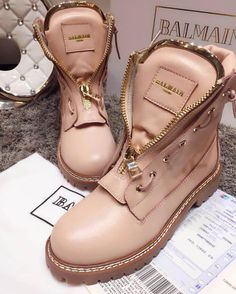 Women Boots Best women's Boots Boots and shoes Shoes Ladyfashes best store for women shoes Women Footwears 2019 Sneaker Heels, Shoes Sneakers, Cute Shoes, Me Too Shoes, Bootie Boots, Shoe Boots, Star Shoes, Casual Boots, Timberland Boots