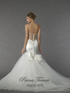 With millions of fans worldwide, Pnina Tornai has established herself as a renowned top couture fashion designer. Her line varies from classic princess-like ball gowns to bold show stopping fashion forward couture creations. Pnina Tornai, Wedding Dresses 2018, Wedding Dress Styles, Pinina Tornai Wedding Dresses, Wedding Dress Accessories, Halloween Disfraces, Mermaid Dresses, Mermaid Wedding, Bridal Gowns