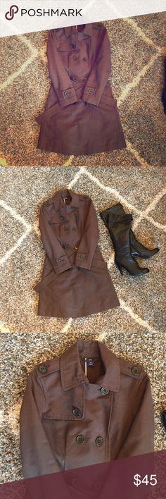 Gap dark brown trench coat Gap, extra small, dark brown, classic trench coat, with belt. GAP Jackets & Coats Trench Coats