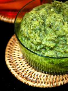 Guacamole of zucchini Raw Food Recipes, Healthy Dinner Recipes, Mexican Food Recipes, Vegetarian Recipes, Pesto Recipe, Chorizo, Summer Recipes, Zucchini, Love Food