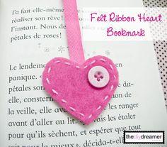 Bookmark { Felt Heart } – How to make a bookmark