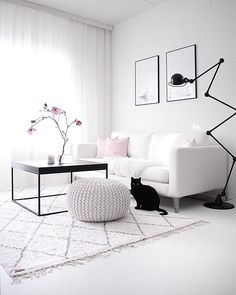 Black And White Interior, Modern Sofa, My Room, Living Room Decor, Living Rooms, Home And Living, Accent Chairs, Art Deco, Interior Design