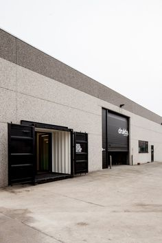WALL FINISH - Shipping container offices for drukta   formail by 05 AM | thelayer