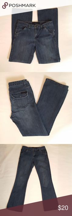 🔵Calvin Klein Jeans Calvin Klein Jeans. Size 6/32. Previously owned, no rips or pulls. Calvin Klein Jeans Jeans