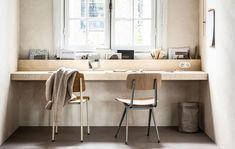 desk w/ trough for stuff Bedroom Workspace, Small Workspace, Bedroom Decor, Interior Work, Interior Design, Diy Office Desk, Decoration Ikea, Wall Desk, Sweet Home