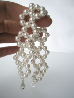 Perlearmbånd i perlehumør:) - dinbod.no Pearl Necklace, Pearls, Jewelry, Fashion, String Of Pearls, Moda, Jewlery, Beaded Necklace, Bijoux