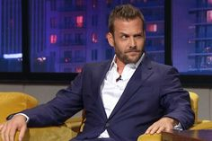 "Gabriel Macht (Harvey Specter from Suits) joins the boys in studio... But what makes him use the word ""diarrhea""...?"