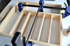 Time for a more organized kitchen! This easy to make custom DIY silverware drawer organizer makes better use of space than a store-bought version! Kitchen Drawer Organization, Kitchen Drawers, Diy Organization, Kitchen Storage, Silverware Drawer Organizer, Diy Kitchen, Kitchen Ideas, Kitchen Inspiration, Drawer Organisers