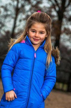 Deze prachtige kobaltblauw DJ Dutchjeans #winterjas moet ik gewoon hebben voor mijn dochtertje! Zo leuk. Bestellen kan via: http://www.ikbenzomooi-baby-kinderen-kleding.nl/dj-dutchjeans-winterjas-meisje-feel-good.html