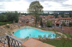 Piscina #Agriturismo Cascina Crocelle sul Lago di Garda www.cascinacrocelle.it  #gardalake #gardasee #gardameer #Agriturism #GardaLake, #lakeview, #pool, #kids #playground, #enoteca, #relax #agritur #farmhouse