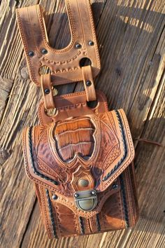 Leathercraft at it's finest. Belt purse.