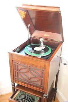 Edison A100 gramophone, 1915