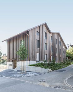 Bachstrasse – 10:8 Architekten Farmhouse Renovation, Building A House, Architecture Design, Wood, Facades, Outdoor Decor, Home Decor, Layout, Inspiration