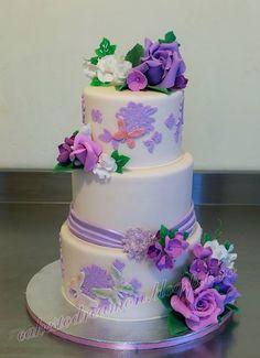 . Cupcake Cakes, Cupcakes, Wedding Styles, Wedding Cakes, Purple, Desserts, Beautiful, Fashion, Decorating Cakes
