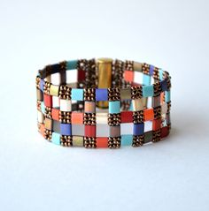 Bracelet with tilas and seed beads, using diamond weave stitch