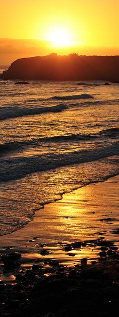 Sunset on San Simeon, California • photo: Ken Rockwell