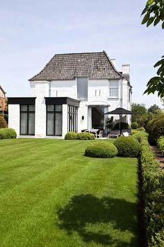 Modern renovation to a traditional house, OSCAR V - Exclusieve Villabouw - Renovatie