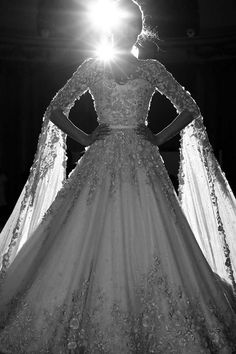 Ralph-Russo-SS16-couture-making-craftsmanship-bridal-gown.jpg 750×1,125 pixels