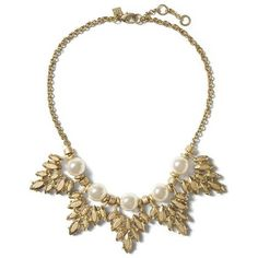 Banana Republic Pearl Leaf Necklace Size One Size - Pearl (79 CAD) ❤ liked on Polyvore featuring jewelry, necklaces, banana republic, banana republic necklace, pearl jewelry, leaf jewelry and white pearl necklace