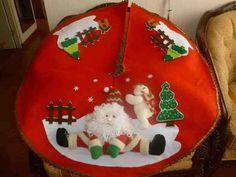 Pie de arbol noel y muñeco de nieve Diy Christmas Tree Skirt, Felt Christmas, Christmas Stockings, Christmas Holidays, Christmas Bulbs, Christmas Wreaths, Christmas Crafts, Christmas Decorations, Xmas