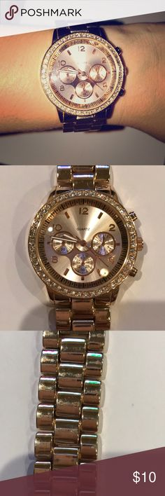 Rose gold watch Rose gold watch! Needs battery :) Accessories Watches