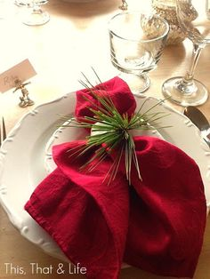 Rustic + Chic Christmas Table Setting
