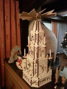 Weihnachtspyramide 98 cm hoch