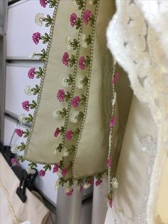 This post was discovered by Fa Needle Lace, Needlework, Elsa, Blanket, Embroidery, Dressmaking, Couture, Handarbeit, Blankets
