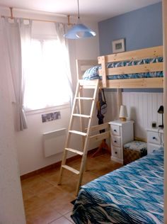 """Materials: MYDAL bunk bed  Description: I have use a MYDAL structure to gain space in a small room. I have removed the lower bunk and used a """"normal"""" bed"""