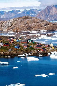 A quick guide to visiting Greenland, and why you should!! Click through to read more!