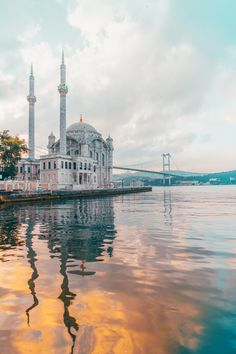 white concrete building during daytime An early morning view of Bosphorus bridge and Buyuk Mecidiye Mosque. Istanbul City, Istanbul Travel, Bosphorus Bridge, Mosque Architecture, Building Architecture, Modern Architecture, Beautiful Mosques, Turkey Travel, Turkey Vacation