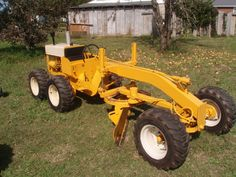Ironically IH never,ever made a motor grader like some of their competitors did namely JOhn Deere,Allis Chalmers,Clark-Michigan,Caterpillar Yard Tractors, Lawn Mower Tractor, Small Tractors, Compact Tractors, Antique Tractors, Vintage Tractors, Vintage Farm, Homemade Machine, Homemade Tractor