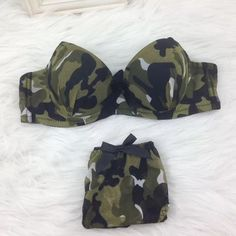 CAMO BRA AND PANTIES Click picture to enlarge
