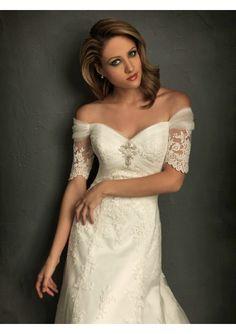 pretty with sleeve on wedding dress