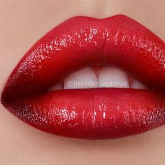 Ombré Red Lips.