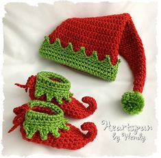 CROCHET PATTERN (digital recordsdata to obtain) so that you can make a Christmas Elf Child Hat and Shoe Set in four sizes, PDF Format, Instantaneous Obtain. NEW DESIGN! Bonnet Crochet, Crochet Motifs, Crochet Stitches, Knit Crochet, Christmas Crochet Patterns, Holiday Crochet, Crochet Christmas Hats, Crochet Crafts, Crochet Projects