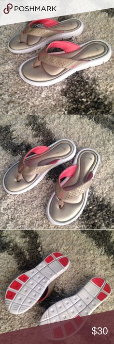NWT Nike Flip Flops Sandals Beige Size 8 Love! ❤️ Nike Shoes Sandals