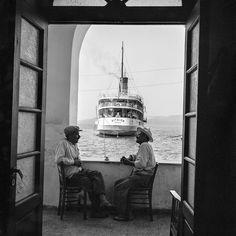 Santorini. TheAigaionin port.Photo© Robert McCabe.