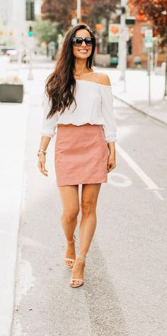 Connie's Latest: Fashion Trends You'll be Wearing this Season Casual Street Style, Happy Monday, Types Of Fashion Styles, My Outfit, Trendy Outfits, Fashion Dresses, Mini Skirts, Girly, Seasons