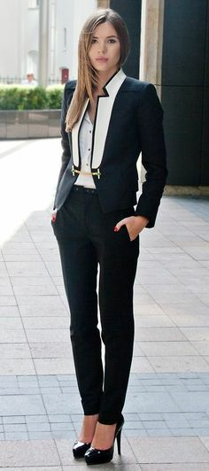 Chic. Well Suited