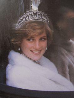 Princess Diana- What a dazzling smile!!/Z