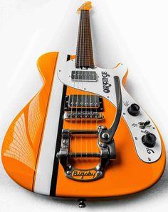 MUSE のギタリストMatt Bellamy が愛用することで知られる英国のギターメーカーManson Guitars が、同じく英国のOrange Amplification とコラボレートしたギターを発表しました。