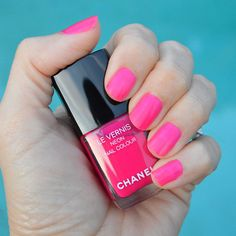 4d9bb527ba6d Chanel spring 2019 nail polish collection review