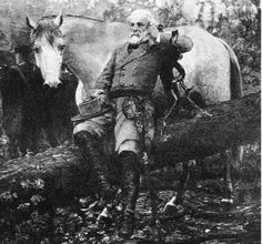 AMERICAN CIVIL WAR ¥ This is a rare picture of General Robert E Lee with Traveler, looking tired, muddy & miserable with the weight of the Confederate world on his shoulders. American Civil War, American History, Horse Story, Confederate States Of America, Confederate Monuments, Civil War Photos, Le Far West, Rare Pictures, Interesting History