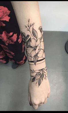 Angel Tattoo For Women, Cross Tattoos For Women, Butterfly Tattoos For Women, Back Tattoo Women, Flash Tattoos, Wrist Tattoos, Sleeve Tattoos, Tattos, Stomach Tattoos