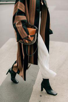 Trend Fashion, Fashion Week, New York Fashion, Look Fashion, Runway Fashion, Fashion Models, Fashion Outfits, Womens Fashion, Hijab Fashion