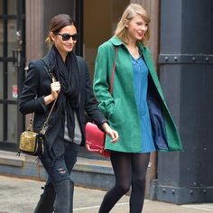 One our favorite celeb BFF combos is Taylor and Lily. Out shopping and lunching in New York, the dynamic duo showed off two totally different outfits with a ying-yang effect. Let's break down how to get their looks here. #LOTD #taylorswiftandlilyaldridge