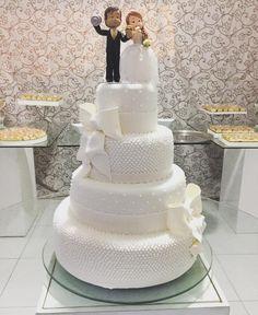 [Bolo de Noiva] Tá ai um dos itens que mais chama atenção no casamento! E os feitos pela minha querida@nelysantosconfeitaria são sempre uma atração a parte!    Informações:  @nelysantosconfeitaria  Tel:(81)9-9928-2479 / 9-3456-3861  .  #noivasdobrasil #casamento #wedding #bride #noiva #weddingday #casar #instamood #instagood #instadaily #ndbindica #parceirodoblog #weddingcake #cake #love