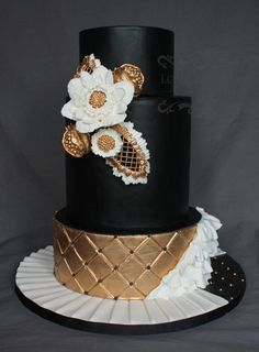 Black and Gold Bold Wedding Cake - Cake by LoveBlossomsCakery